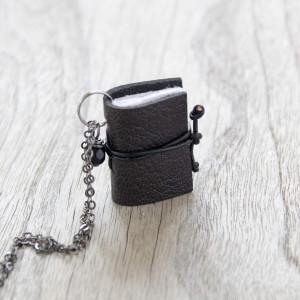 004 Naszyjnik książeczkowy