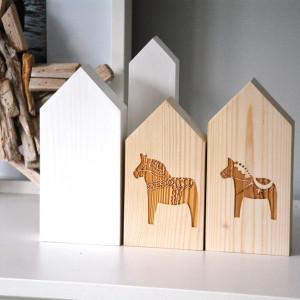 4 domki z konikiem