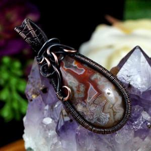 Agat koronkowy, Miedziany wisior z agatem red