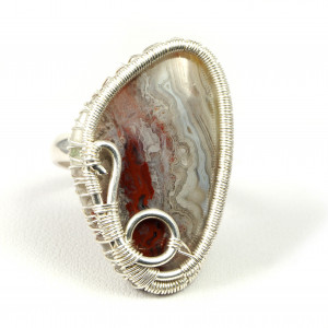 Agat, Srebrny pierścionek z agatem crazy lace