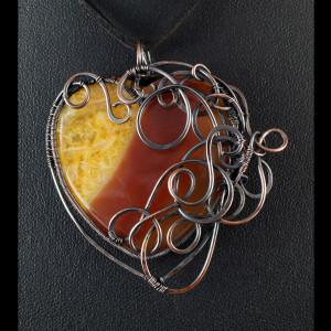 Agat, Wisior z miedzi z agatem pomarańczowym serce