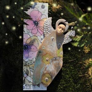 Anioł  Ceramiczny Z Zakładką do książki Akwarela