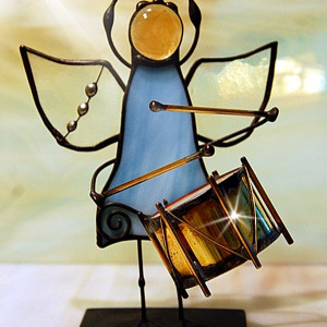 Aniołek z bębenkiem