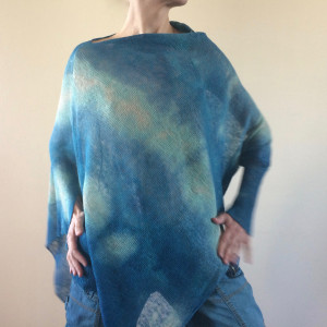 Asymetryczna lniana bluzka w odcieniach wody