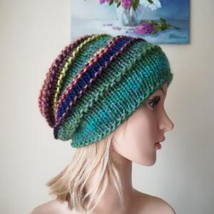 Barwna zima czapka