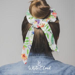 Bawełniana, wiosenna scrunchie gumka do włosów