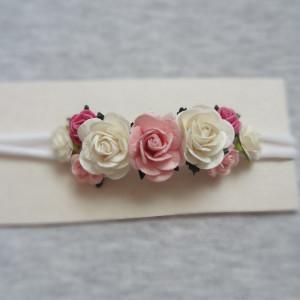 bezuciskowa opaska mini wianek kwiaty róż biel