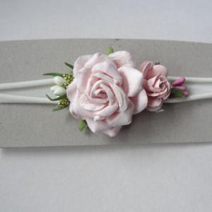 bezuciskowa opaska mini wianek kwiaty różowa