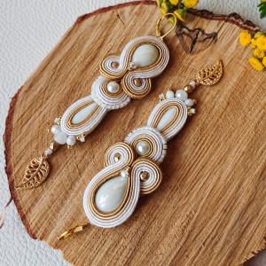Biało=złote kolczyki ślubne