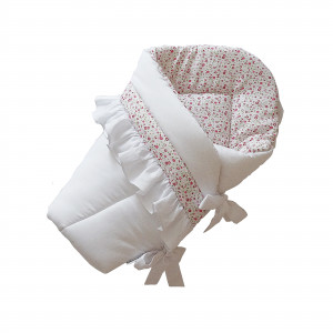 biały rożek niemowlęcy z falbanką