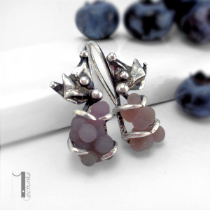 Bilberry srebrne kolczyki z chalcedonem