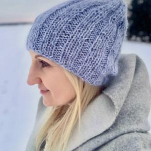 błękitna czapka