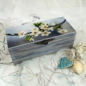 Błękitna szkatułka - wiosenna gałązka