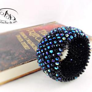Bransoleta Caprice czarna z błękitnymi drobinkami