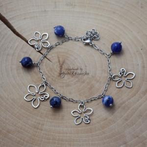 Bransoletka kwiaty z sodalitem, wire wrapping