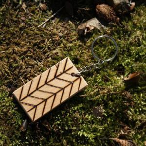 brelok drewniany