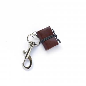 Brelok książkowy do kluczy G06