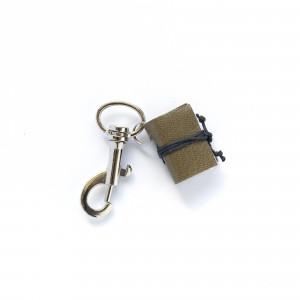 Brelok książkowy do kluczy G10