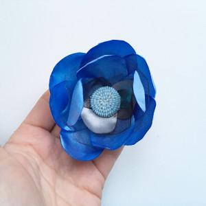 Broszka kwiat satynowa niebieska