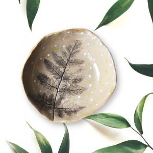 Ceramiczna Miseczka mała beżowa z liściem paproci
