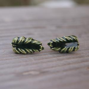 """Ceramiczne zielone kolczyki sztyfty """"Leśny elf"""""""