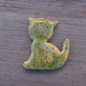 Ceramiczny magnes kot zielony w kropki