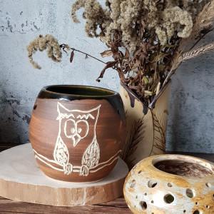 Ceramiczny wazon z sową