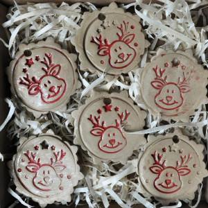 Ciacha ceramiczne z reniferami na choinkę beżowe