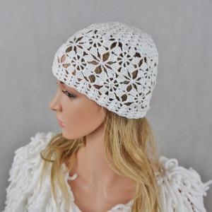 Czapka handmade biała
