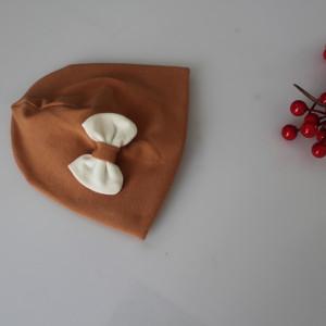 Czapka podwójna karmel kokardka rozmiary