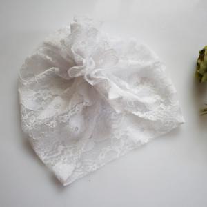Czapka turban biała koronka chrzest