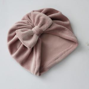 Czapka turban welur pastelowy róż kokarda