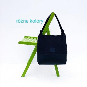 Czarna torebka i plecak w jednym Gryzelda I