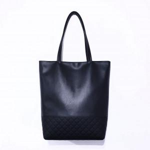 Czarna torebka na ramię z eko skóry