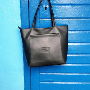 Czarna torebka z eko skóry z kieszonką Alicja