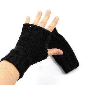 Czarne rękawiczki mitenki na drutach unisex