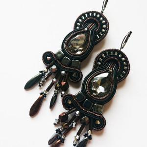 Czarno-brązowe kolczyki z krysztakami
