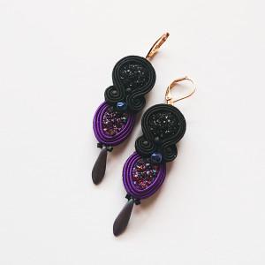 Czarno-fioletowe druzy