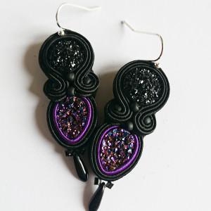 Czarno-fioletowe kolczyki z żywicą