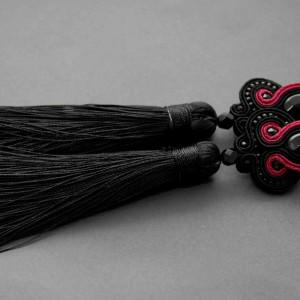 czarno-malinowe kolczyki lub klipsy sutasz