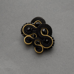 czarno-złote kolczyki lub klipsy sutasz 4