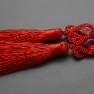 czerwone kolczyki lub klipsy sutasz z chwostami 3