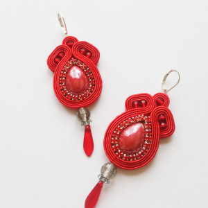 Czerwone kolczyki sutasz z ceramiką