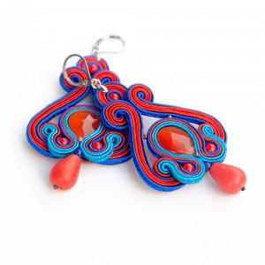 Czerwono-niebieskie kolczyki sutasz z łezką