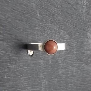 Delikatny pierścionek z piaskiem pustyni rozmiar15