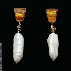Długie sztyfty z bursztynem i perłami