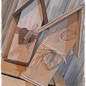 Domek drewniany z sercem