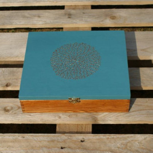 drewniane pudełko na biżuterię/na herbatę
