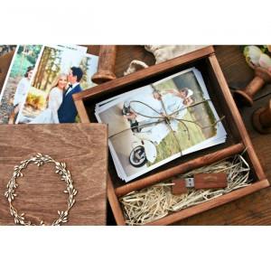 Drewniane pudełko na zdjęcia + pendrive 16 GB