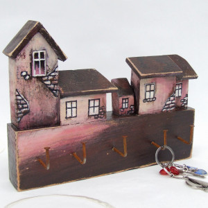 Drewniany wieszak na drobiazgi - Miasteczko 3
